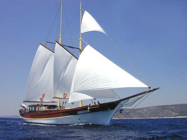 http://yacht.cruising.ru/yachts/tr/p/algarina_e.jpg